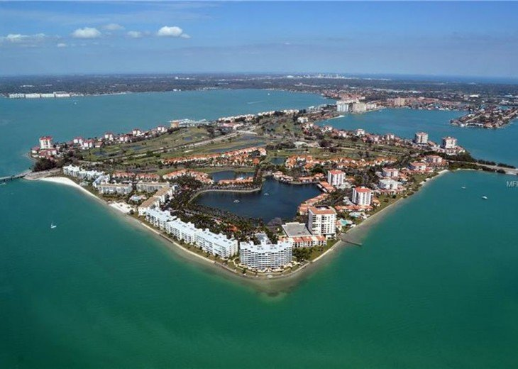 The Island of Isla Del Sol, Florida