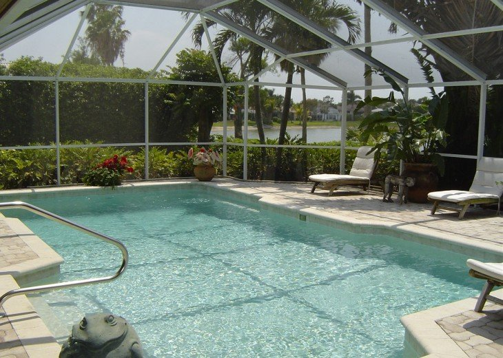 Exquisite Lake View Pool Home just minutes to the beach and Fifth Ave ! #4