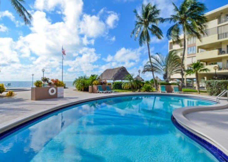 Palms #417 - Elegant 1 bedroom unit with Florida Bay Views from Balcony #20