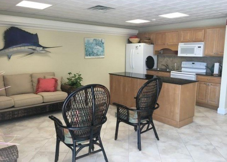 Palms #417 - Elegant 1 bedroom unit with Florida Bay Views from Balcony #16