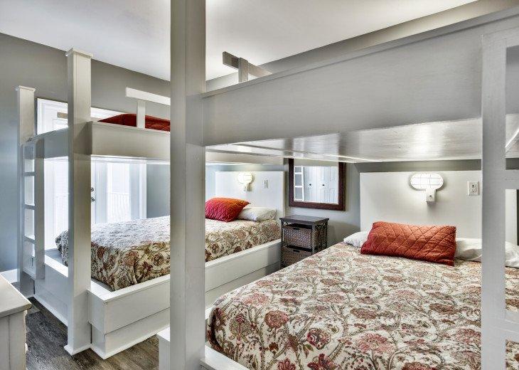 Queen bunk bedroom; balcony access