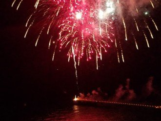 Fireworks display from the City Pier~View from your private balcony! No traffic!