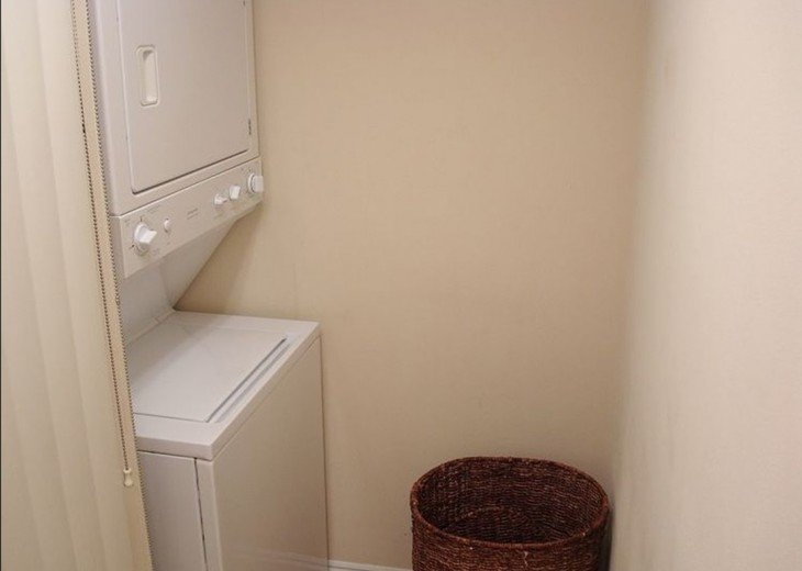 In unit Stacked washer/dryer~ throw a load in & go to the beach for the day!