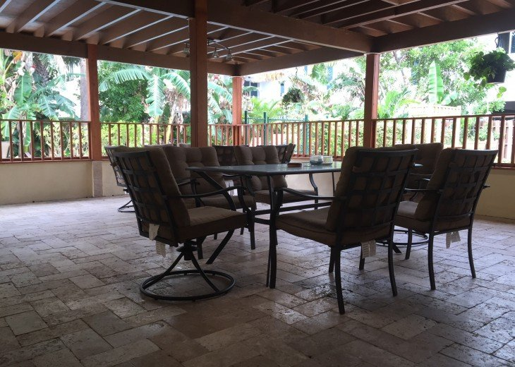 TWO BEDROOM TWO BATH SUITE WITH HEATED POOL-CLOSE TO BEACH AND RESTAURANTS #4