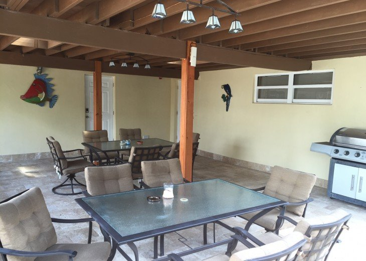 TWO BEDROOM TWO BATH SUITE WITH HEATED POOL-CLOSE TO BEACH AND RESTAURANTS #6