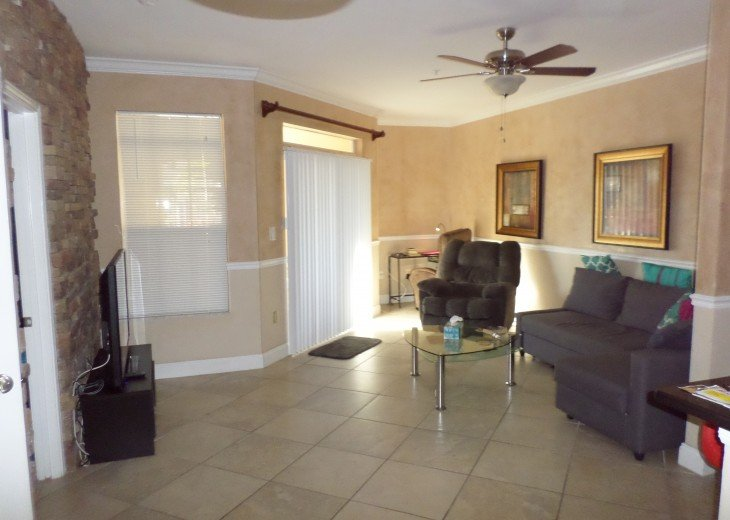 First floor, few steps to heated pool . 3 Miles to #1 Clearwater Beach #10