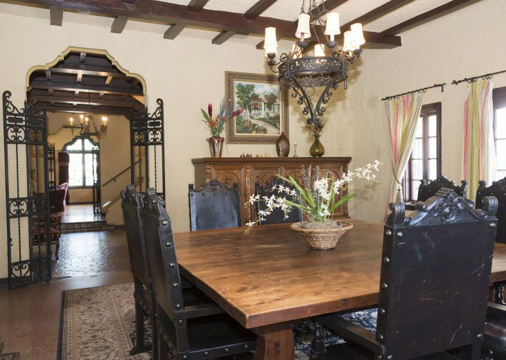 Breath Taking Historic Beach Estate The Young Mansion- Best for Large Groups #16