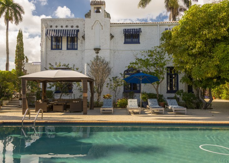Breath Taking Historic Beach Estate The Young Mansion- Best for Large Groups #83