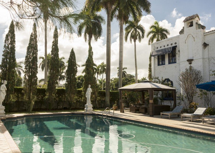 Breath Taking Historic Beach Estate The Young Mansion- Best for Large Groups #7