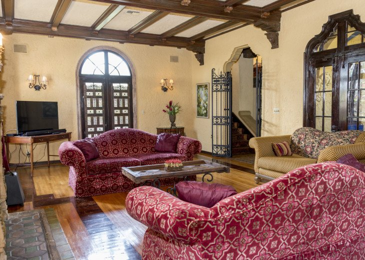 Breath Taking Historic Beach Estate The Young Mansion- Best for Large Groups #8