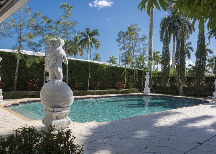 Breath Taking Historic Beach Estate The Young Mansion- Best for Large Groups #6
