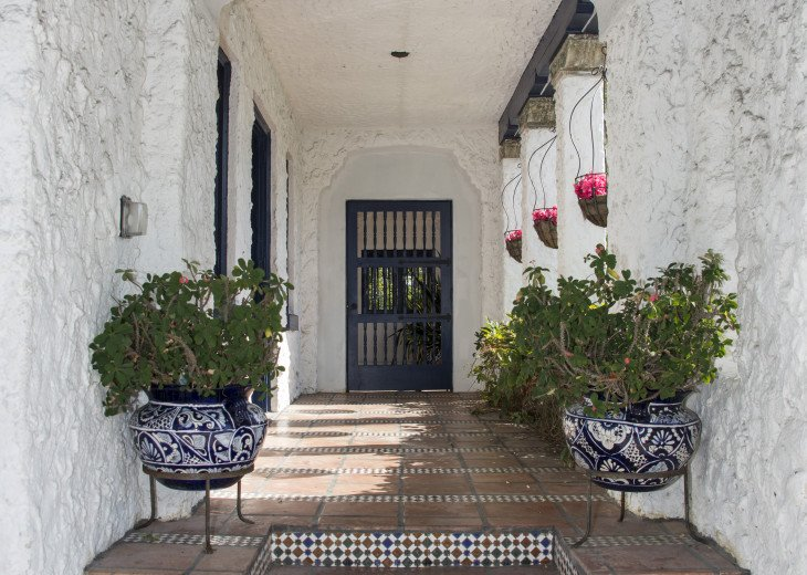 Breath Taking Historic Beach Estate The Young Mansion- Best for Large Groups #87