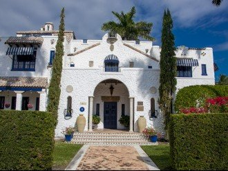 Breath Taking Historic Beach Estate The Young Mansion- Best for Large Groups #1