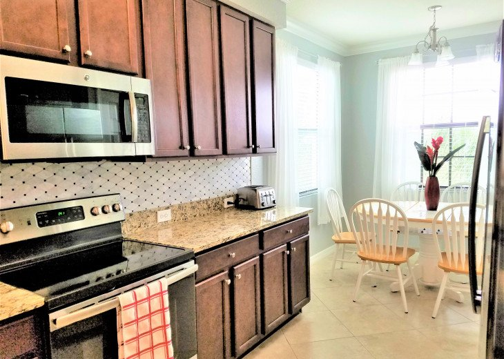 New Corner Cozy and amazing View /Upgraded 3Bds+2 Baths Condo/Golf Free #25