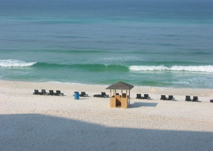BEACH SERVICE- CHAIRS , JET SKIS, ECT.