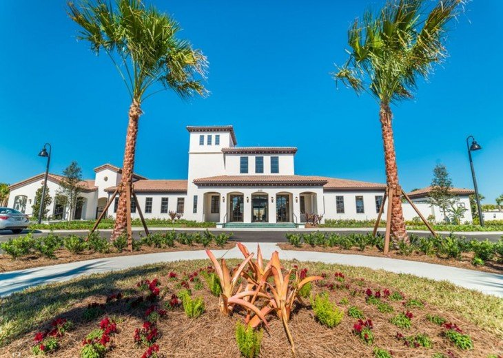 10,000 sq.ft. Clubhouse.
