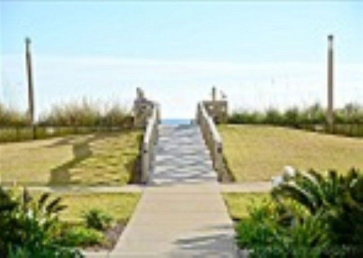 Spring & Summer Date available! Beautiful, White Destin Sands. 3Br, 2BA book now #15