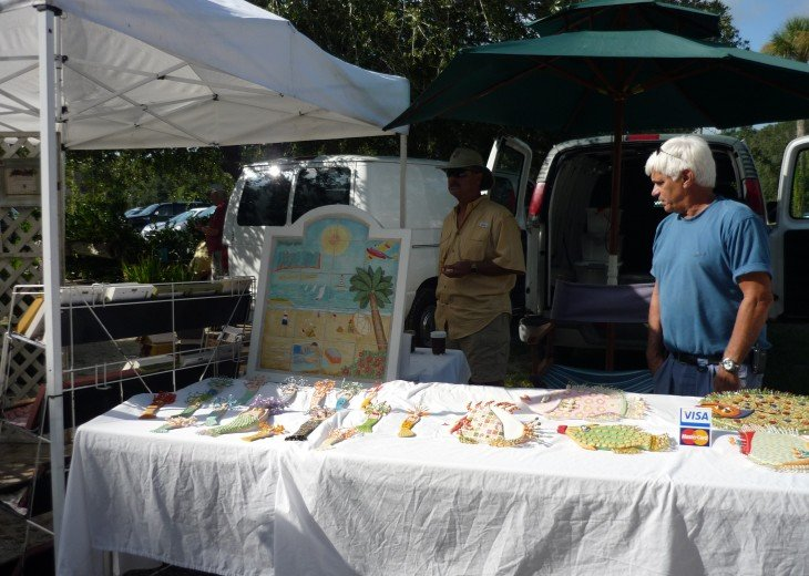 Arts and crafts at AmphitheaterSaturday Market_229