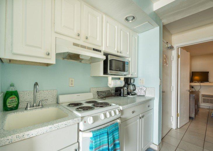 Kitchen to queen Bedroom_229
