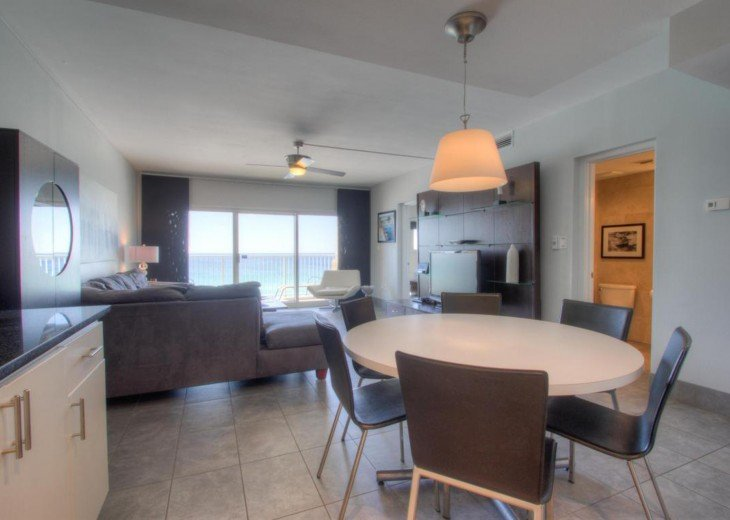 A604 Very nice, contemporary condo, amazing views #3