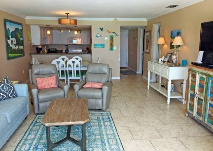 B604 Great views of the gulf to wake up to! Located directly on the beach #6