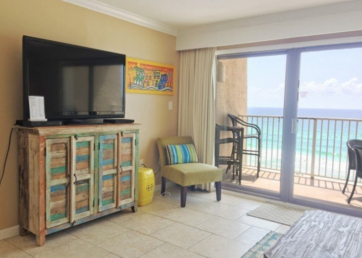 B604 Great views of the gulf to wake up to! Located directly on the beach #7