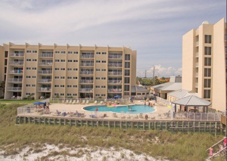 B604 Great views of the gulf to wake up to! Located directly on the beach #20