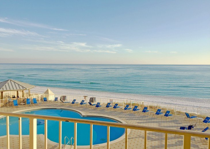 C303 Great view of the gulf, directly on the beach #2