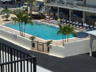 Large heated pool. Clubhouse and BBQ grills