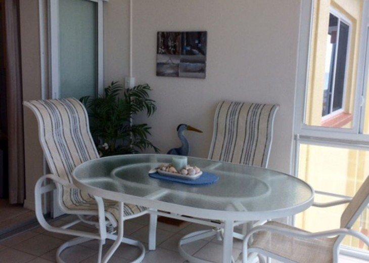 Eat informally overlooking the beach.