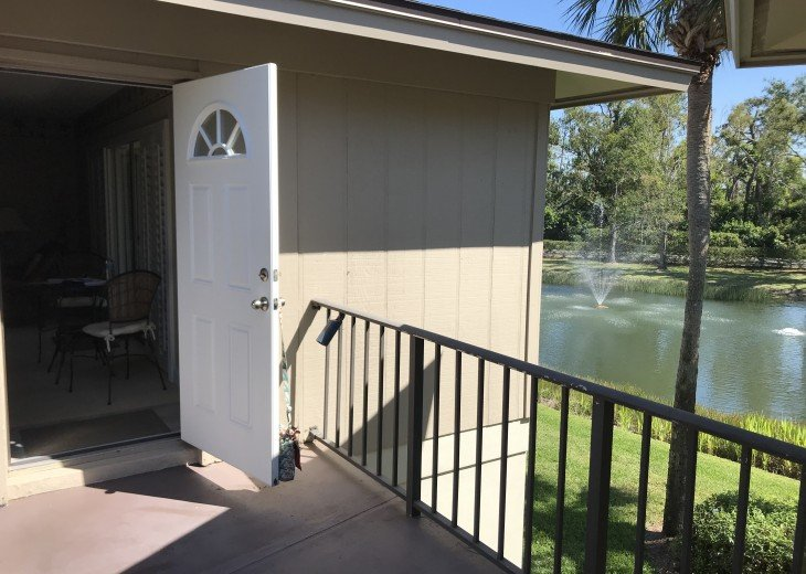 Entry area / front door