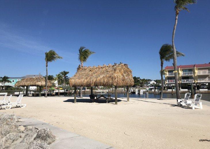 BAYSIDE CONDO, MARINA, POOL AND BEACH #18
