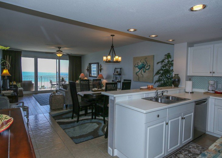 PANORAMIC OCEAN VIEWS PLUS SERENITY AT THE BEACH FROM YOUR 6TH FLOOR CONDO #12
