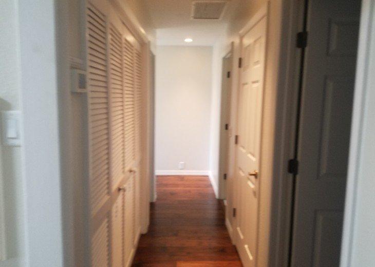 Luxurious 3 Bedroom 3 Bathroom on Siesta Key Beach #25