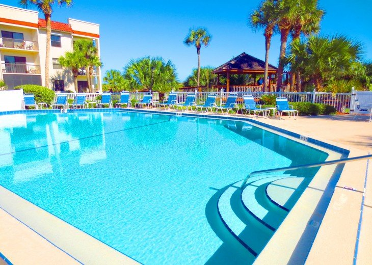 BEACH FRONT RESORT - 2 POOLS (1 heated), TENNIS, BEACH ACCESS #5