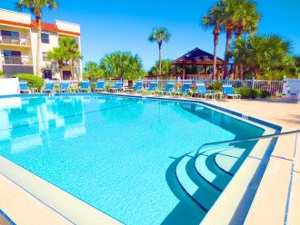 BEACH FRONT RESORT - 2 POOLS (1 heated), TENNIS, BEACH ACCESS #1