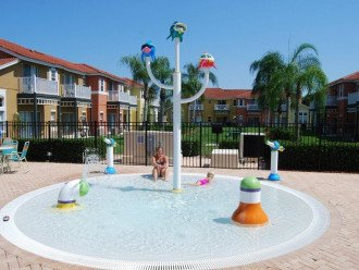 Childrens splash pool