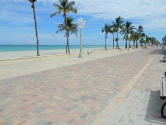 Windwood Beachside 101 on Hollywood Beach 1/1 for 4 Pool #1
