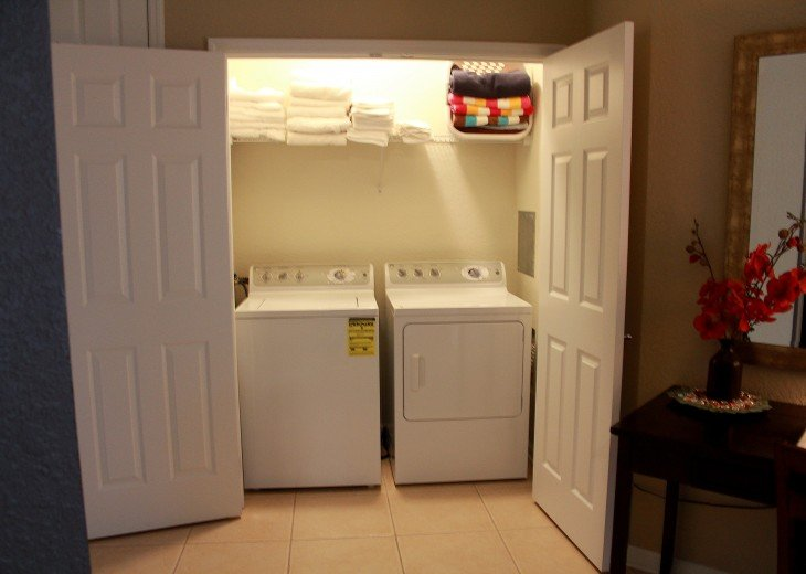 Full size, in unit laundry area