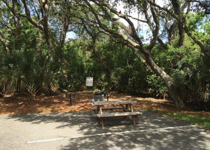 Romantic, Beachfront Surf & Racquet + Wi-Fi Close to pool #18
