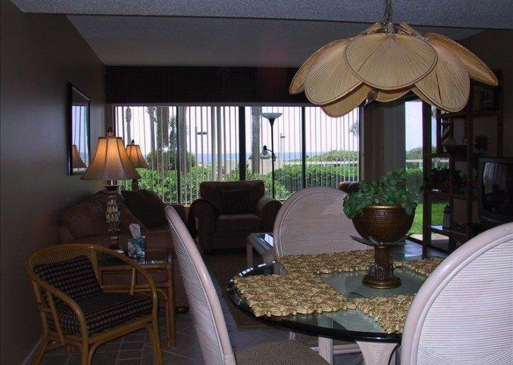 Romantic, Beachfront Surf & Racquet + Wi-Fi Close to pool #12