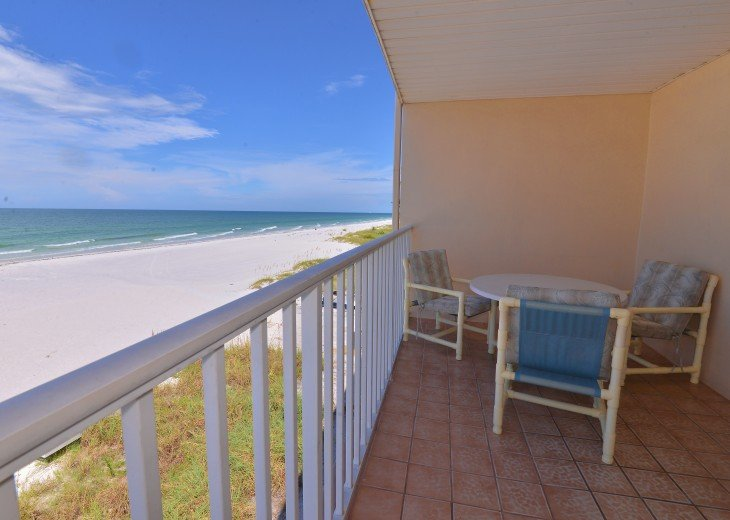 Look No Further--Hurry Before This Gulf Front Property w/Balcony is Booked #4