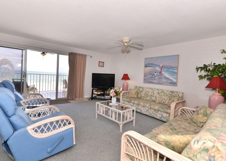 Look No Further--Hurry Before This Gulf Front Property w/Balcony is Booked #6