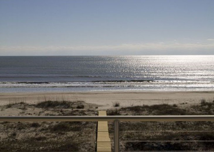 New, Gulf Front beach home with open concept and elevator. #9