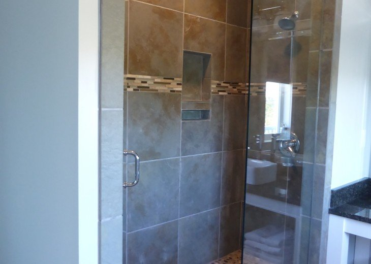 'Garden Square' walk in shower