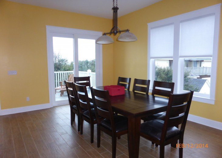 Dining room and gulf-front deck