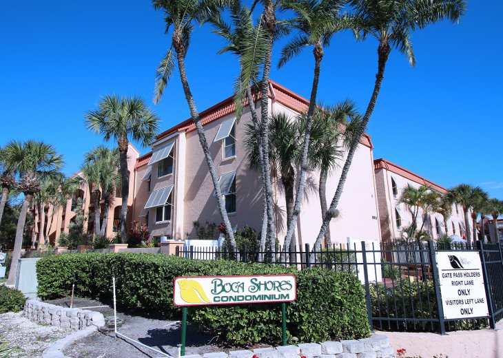 Welcome to Boca Shores!!
