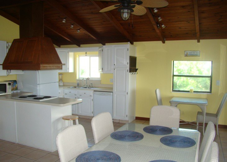 OCEANFRONT RENTAL HOME ~ St. Augustine Beach ~ 4BR-3BA NO SERVICE FEES! #11