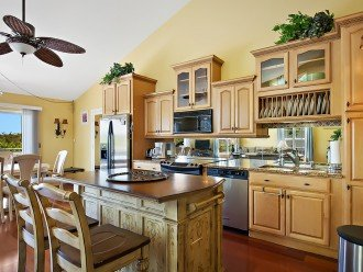 Beautiful kitchen for making those vacation sized meals.