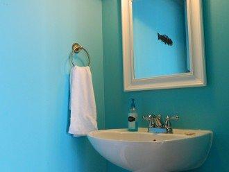 1/2 bath entry